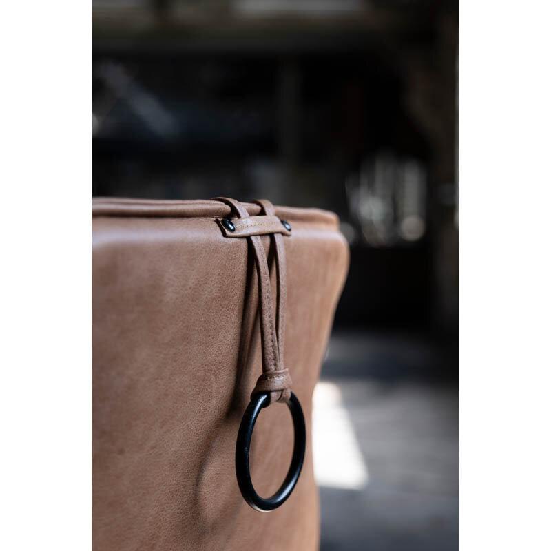 Chic fåtölj läder cognac detalj
