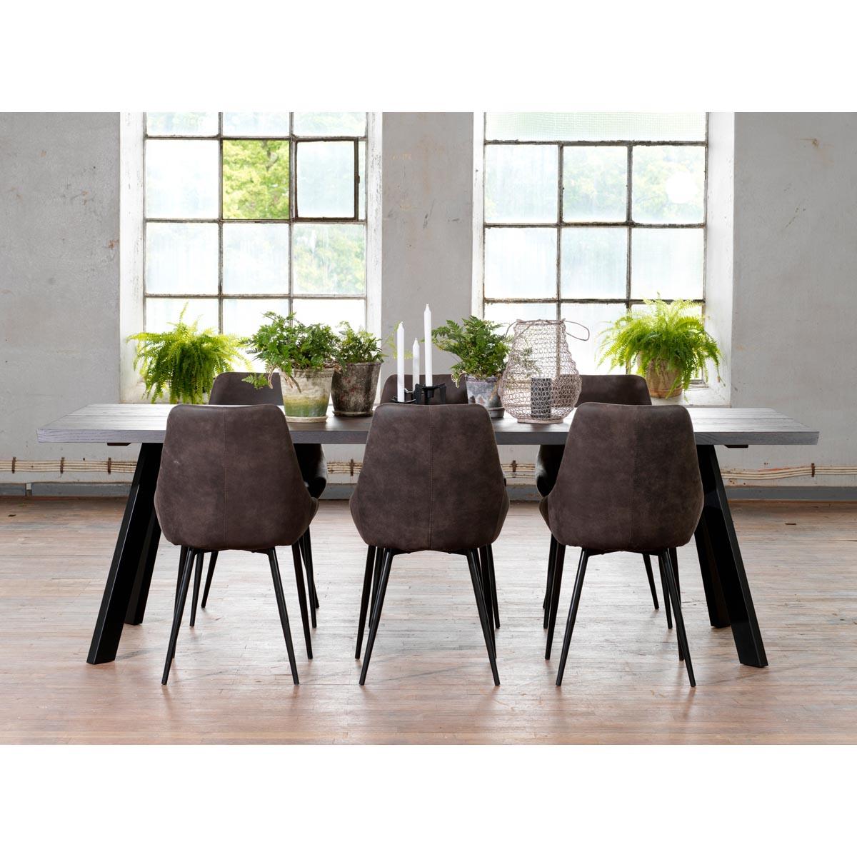 Fred mörkbrunt matbord + Sierra stolar, miljö PD