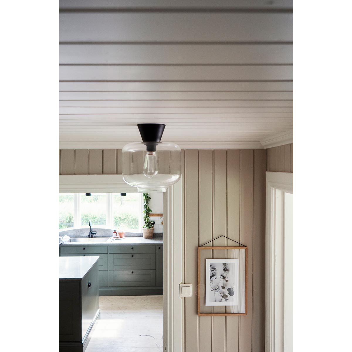 Ritz-plafond-klar-svart-miljo-663555_1