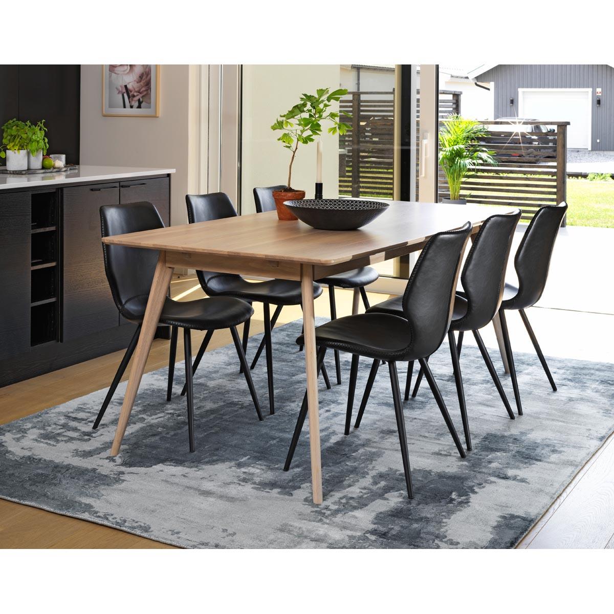 Yumi-matbord-rekt-vitpigm-med-Highrock-stol-miljo